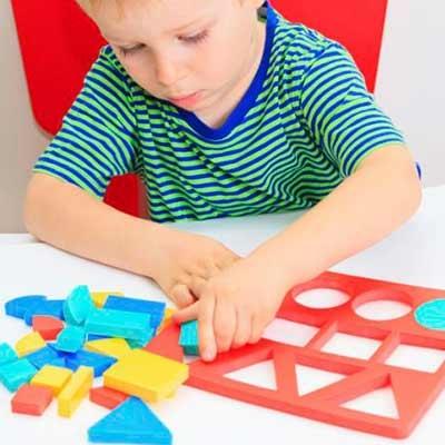 Puzzles y juegos de madera
