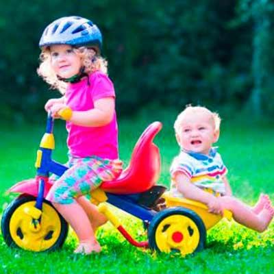 Triciclos, bicicletas y complementos