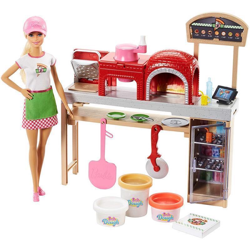 Barbie pizza chef